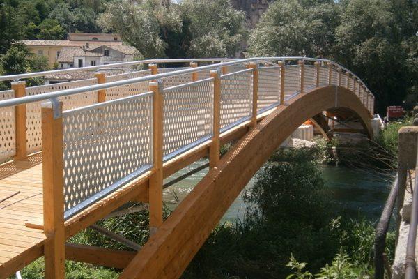ponte in legno lamellare